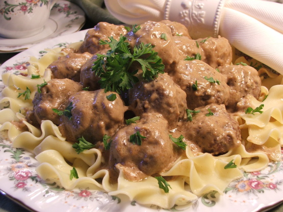 {Recipe video below} Juicy meatballs smothered in a beautiful creamy gravy, with a hint of spicing that Swedish Meatballs are known for. I deviate from the traditional recipe by using my method of soaking chopped bread in grated onion which adds more flavour and makes extra soft meatballs - see Note 1 for more info.