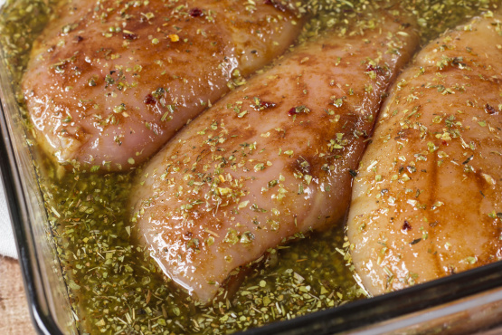 The Ultimate Marinade for Juicy Chicken. The right marinade for chicken guarantees two things: flavor and juiciness. Marinades are always some combination of an acid (think: lemon juice or vinegar), some fat, and some indianheadprimefavor.tk Time: 35 mins.