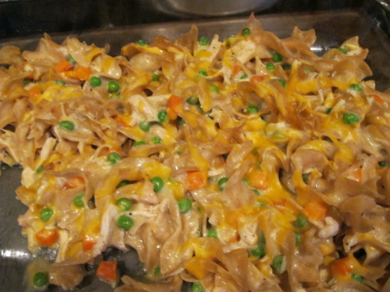 Hearty Chicken And Noodle Casserole Recipe Genius Kitchen