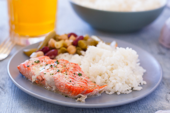 how to cook salmon in microwave