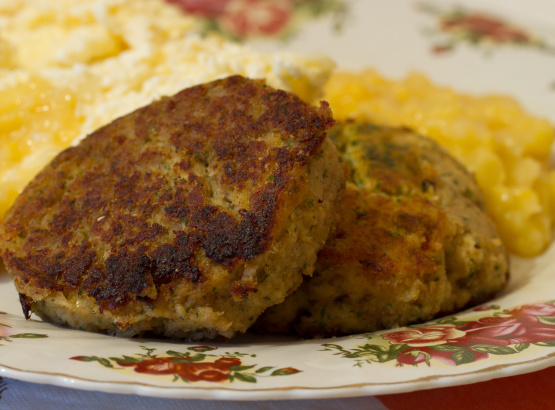Crab Cakes With Cracker Meal