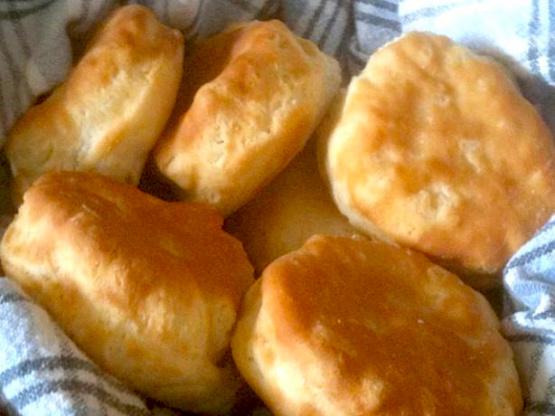 Kfc biscuits copycat recipe genius kitchen for Table 52 biscuit recipe