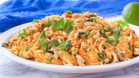 Pad thai with chicken and shrimp recipe genius kitchen like forumfinder Choice Image