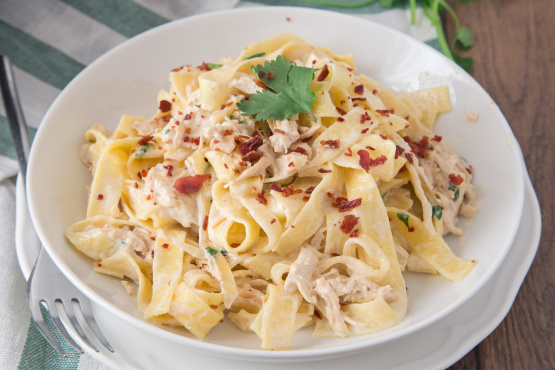 Chicken Alfredo Recipe With Crispy Bacon Genius Kitchen