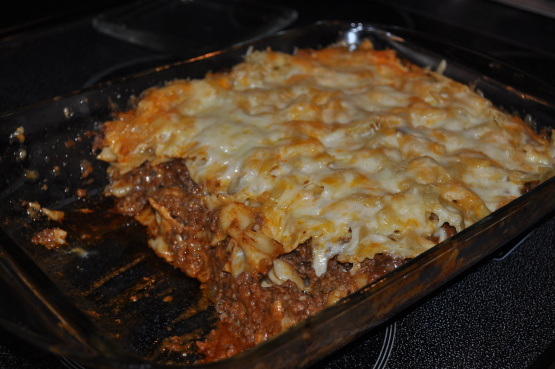 Cheesy layered ground beef and pasta casserole recipe for What meals can i make with ground beef