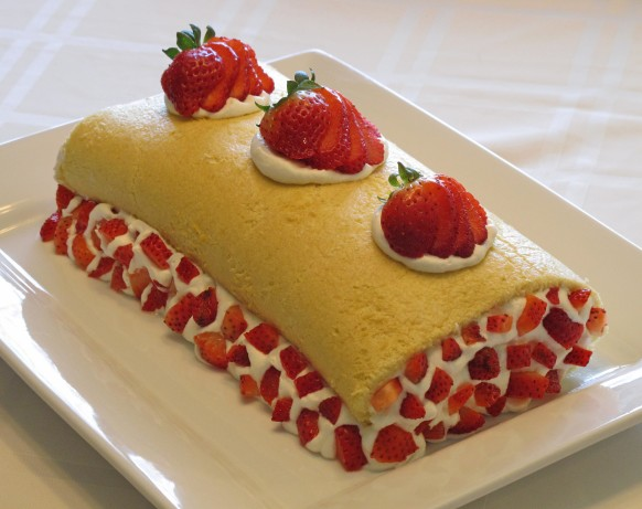 strawberry roll cake strawberry roll cake recipe food 7767