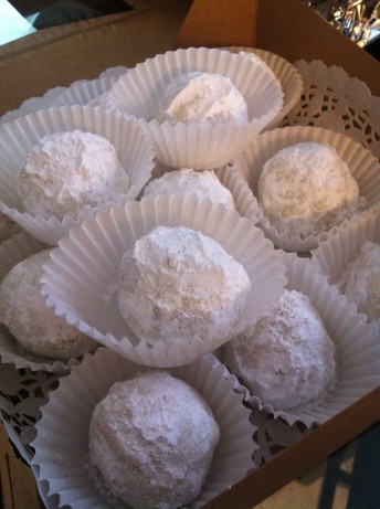 mexican wedding cake cookies with pecans favourite mexican wedding cakes pecan cookie balls 17303