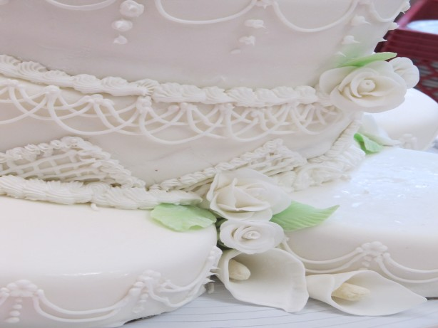 white sour cream wedding cake recipe picztmbdn jpg 27323
