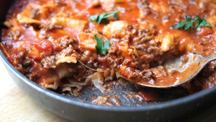 Quick and easy ground beef dinners genius kitchen cheesy beef taco skillet recipe forumfinder Images