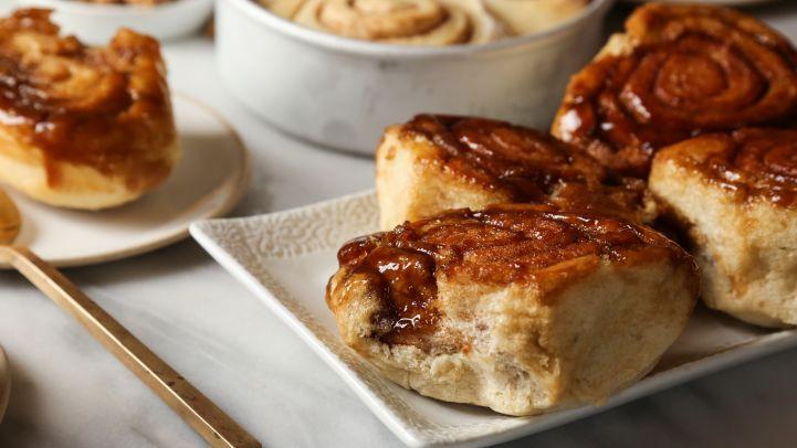 American desserts state by state genius kitchen north dakota caramel rolls freerunsca Image collections