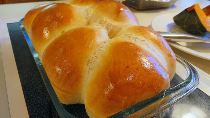 Gwens butter rich dinner rolls recipe genius kitchen 5 view more photos save recipe forumfinder Choice Image
