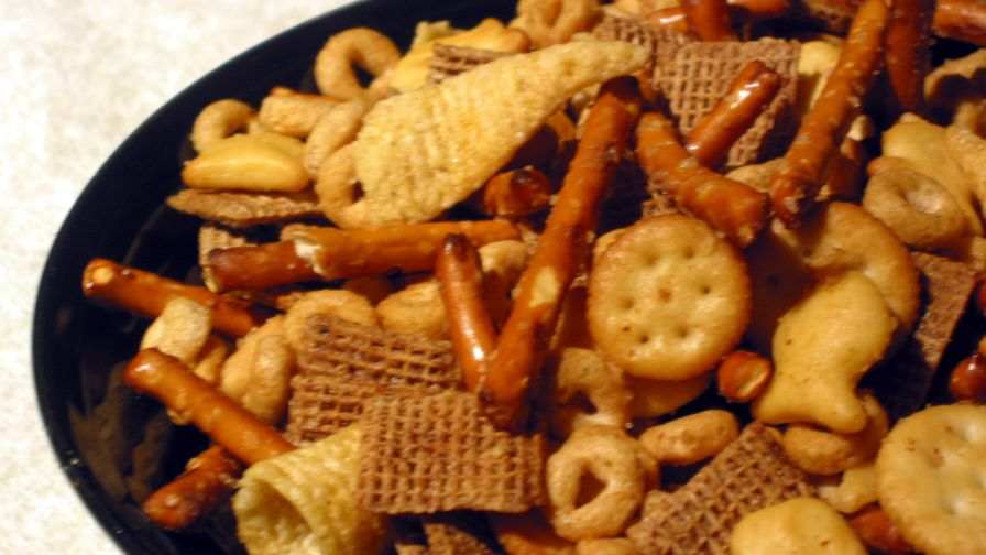 Christmas nuts n bolts snack 1 view more photos save recipe forumfinder