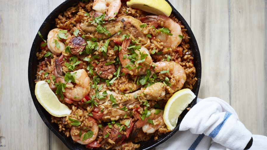 Authentic spanish paella recipe genius kitchen 21 view more photos save recipe forumfinder Image collections