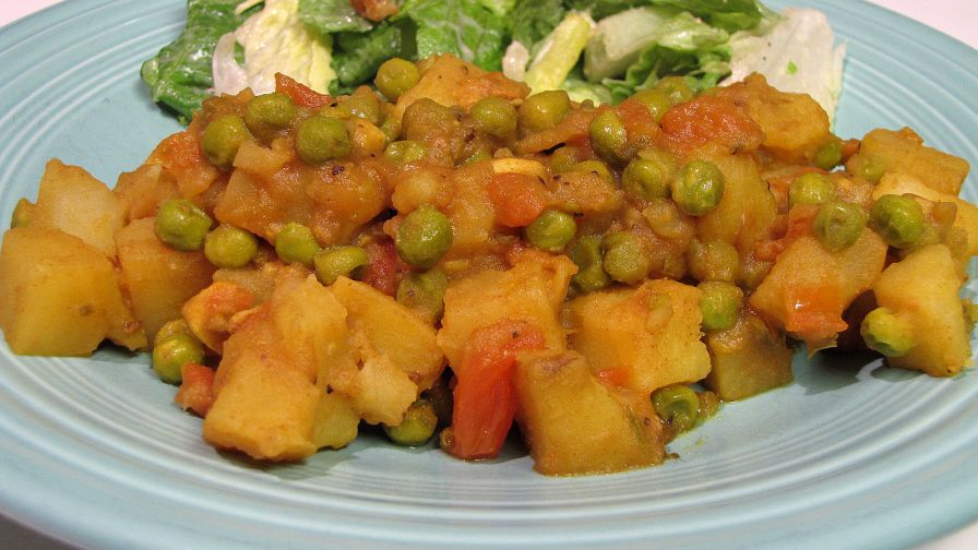 Nepalese potato tomato and pea curry recipe genius kitchen 3 view more photos forumfinder Choice Image