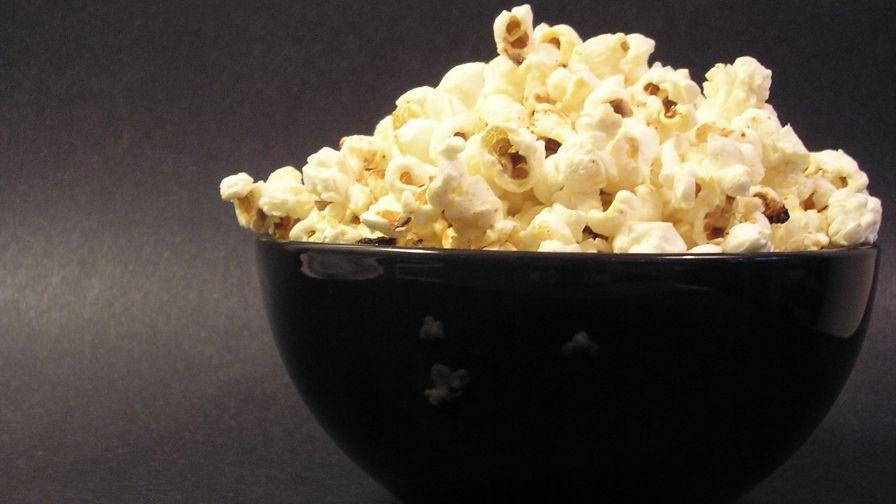 Old Fashioned Kettle Popcorn Maker 15