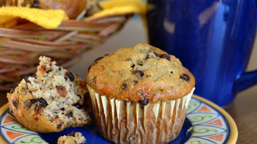 Banana chocolate chip muffins recipe genius kitchen 31 view more photos save recipe forumfinder Images
