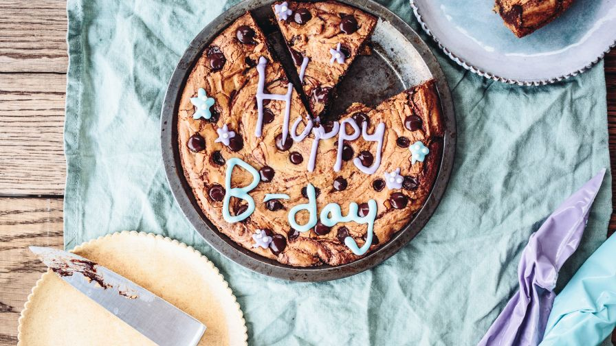 Chocolate Chip Cookie Cake Recipe Genius Kitchen