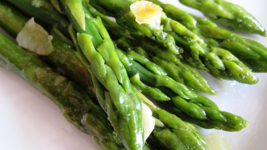 This Particular Lemon Butter Asparagus Recipe Does Nto Require Any Blanching Whatsoever The Hot Pan The Acidic Lemon Juice And Fast Cooking Process