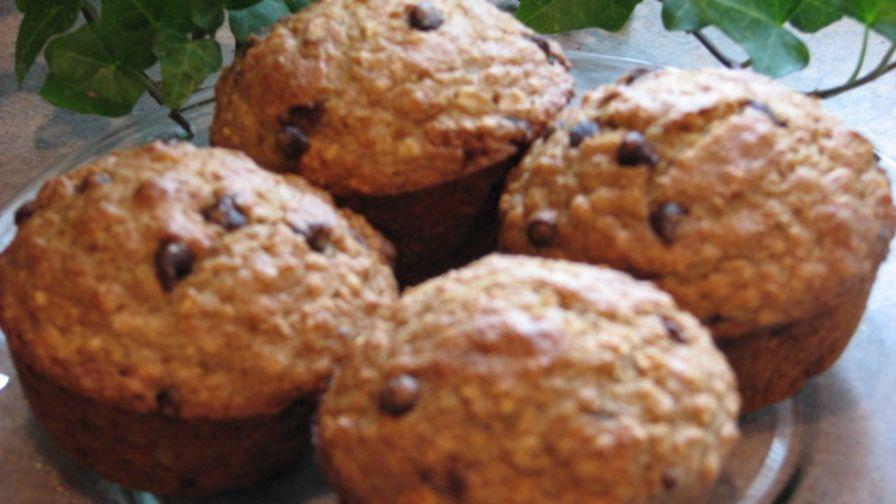recipe: applesauce-oat muffins [37]