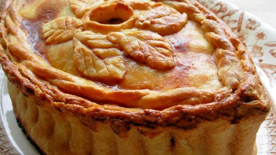 Old english posh picnic raised chicken and ham pie recipe genius 11 view more photos forumfinder Choice Image