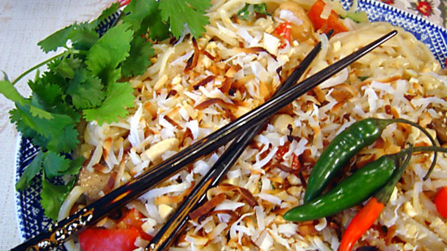 Thai coconut rice noodles with chicken recipe thainius kitchen 2 view more photos forumfinder Gallery