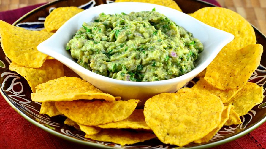Chipotles guacamole recipe recipe genius kitchen 5 view more photos forumfinder Gallery