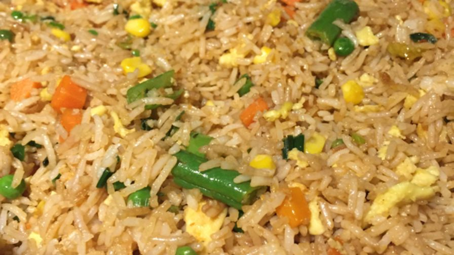 Chinese fried rice recipe genius kitchen 11 view more photos save recipe forumfinder Images