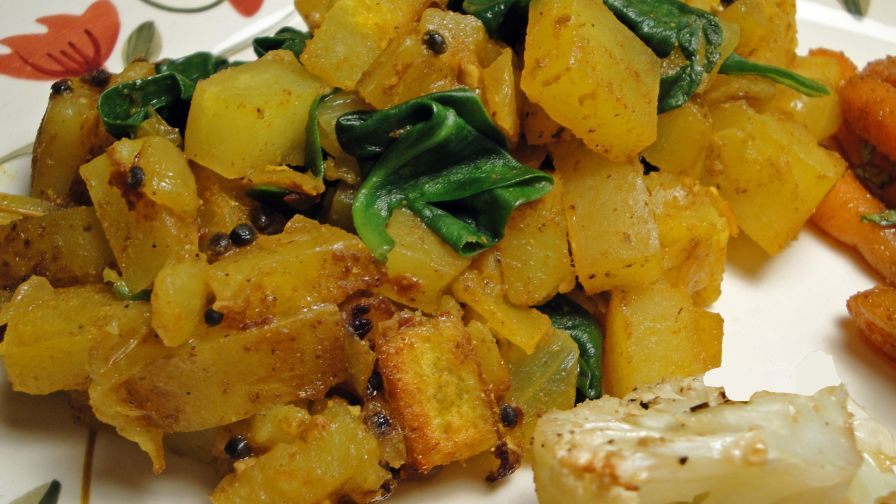 Indian spiced spinach with potatoes recipe low cholesterolnius 1 view more photos save recipe forumfinder Choice Image