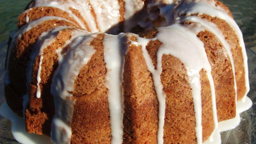Apple Crumb Bundt Cake