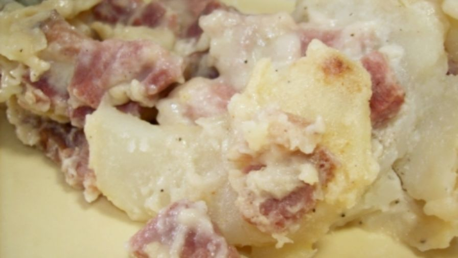 Old fashioned scalloped potatoes and ham 54