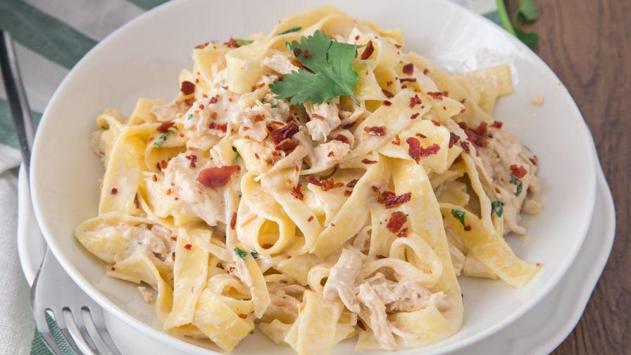 Chicken alfredo recipe with crispy bacon genius kitchen 16 view more photos save recipe forumfinder Images