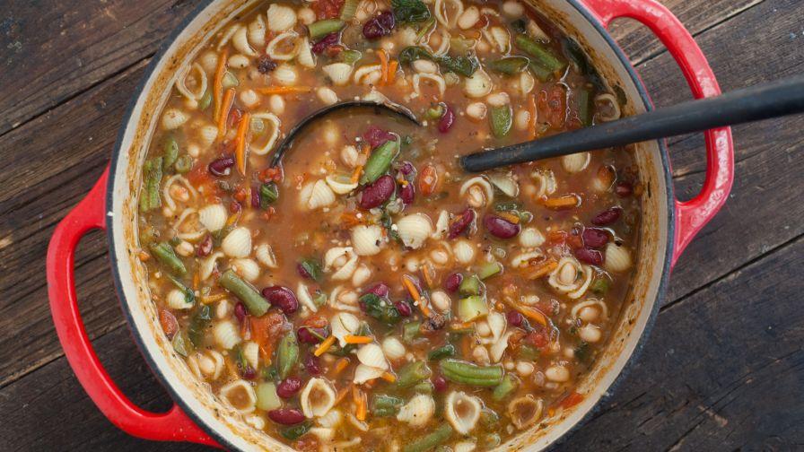recipe: simple minestrone soup [30]
