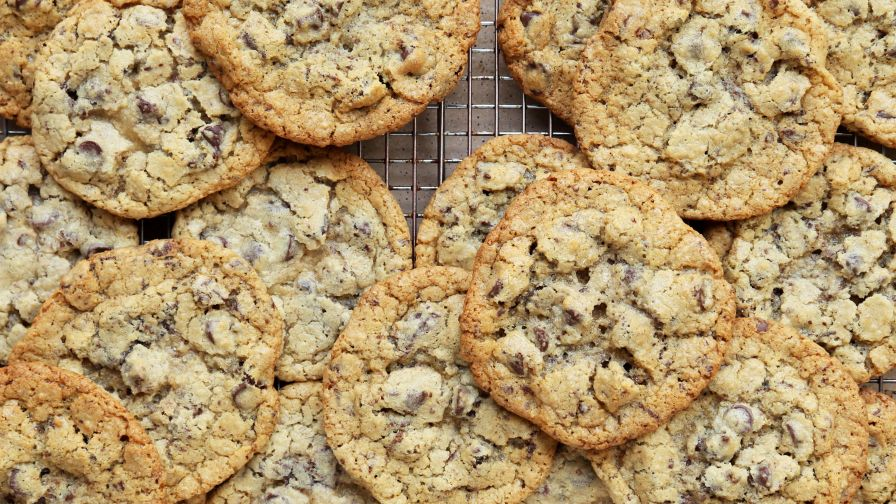 Authentic mrs fields chocolate chip cookies recipe genius kitchen 6 view more photos save recipe forumfinder Gallery