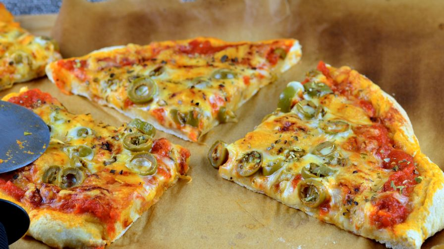 Thin pizza crust recipe genius kitchen 15 view more photos save recipe forumfinder Images