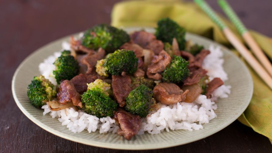 The best easy beef and broccoli stir fry recipe genius kitchen 107 view more photos forumfinder Choice Image